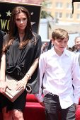 LOS ANGELES - MAY 23:  Victoria Beckham, Son Brooklyn Beckham at the Simon Fuller Hollywood Walk Of
