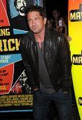 LOS ANGELES - OCT 18:  Gerard Butler arrives to