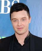 LOS ANGELES - JUL 17:  Noel Fisher arrives to the CBS-CW-Showtime Summer TCA Press Tour 2014  on Jul