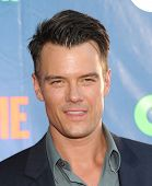 LOS ANGELES - JUL 17:  Josh Duhamel arrives to the CBS-CW-Showtime Summer TCA Press Tour 2014  on July7, 2014 in West Hollywood, CA.