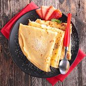 crepe and strawberry