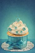 picture of sugarpaste  - Cupcake with blue forgetmenot flowers - JPG