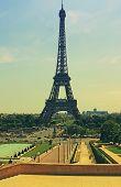 Retro Tour Eiffel