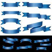 conjunto de bandeiras azuis em branco com duas linhas de luz