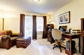 Luxury Office Room With Leather Chair