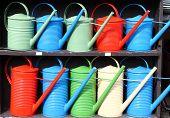 Regadores coloridos