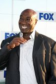 LOS ANGELES - AUG 5:  Michael Clarke Duncan arriving at the FOX TCA Summer 2011 Party at Gladstones on August 5, 2011 in Santa Monica, CA