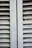 Veneciana de madera blanco