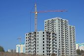 Cranes On  Construction Of Multi-storey  Houses