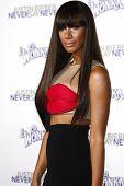 LOS ANGELES - 8 de FEB: Leona Lewis en la premiere de Los Ángeles de ' Justin Bieber: Never Say Never' en