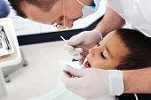 Exame de dentes em consultório