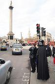 Darth Vader uit en ongeveer In zich Trafalgar Square gebied 14 maart 2013