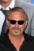 LOS ANGELES - APR 7:  Kevin Costner at the