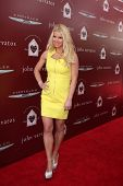 LOS ANGELES - APR 13:  Jessica Simpson at the John Varvatos 11th Annual Stuart House Benefit at  Joh
