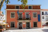 The building of local government in Cascais, Portugal