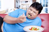 Man Try To Diet By Eating Vegetable