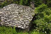 image of house woods  - House with stone roof in the mountain - JPG