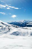 Постер, плакат: Высокие горы под снегом зимой