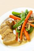 image of mange-toute  - Pork fillet with a mustard sauce - JPG