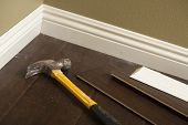 picture of baseboard  - Hammer - JPG