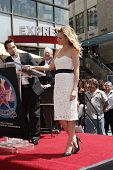 LOS ANGELES - AUG 6: Paul Rudd, Michelle Pfeiffer  as Michelle Pfeiffer was honored with the 2,345th