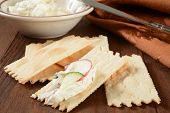 Flatbread Crackers With Cream Cheese