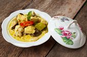 pic of curry chicken  - green curry with chicken  - JPG