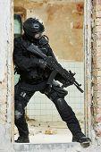 pic of sub-machine-gun  - Military industry - JPG