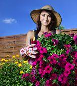 Mladá žena, zahradnictví