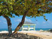Playa - extremo este de las Islas Caimán