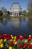 The Jewel House in Forest Park is a popular Saint Louis wedding venue and tourist attraction