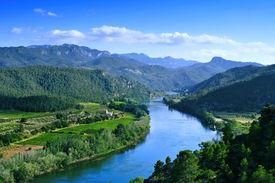pic of cardo  - Ebro River passing through Miravet - JPG