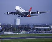 Qantas Airlines-VH-OQL Qantas Airbus A380-842