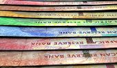 Постер, плакат: Lined Up Close up Banknotes