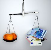 foto of comparison  - Comparison food is much more important than money or not - JPG
