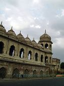 picture of imambara  - Outer arched boundary of the main tourist attraction of lucknow  - JPG