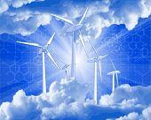 Concepto de ecología: generadores eólicos, los rayos de luz & azul cielo