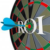 The letters ROI on a dartboard symbolizing return on investment and the profits and gains you can ge