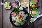 Pho, fideos de arroz vietnamita