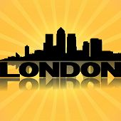 Die Skyline von London Docklands reflektiert mit Sunburst illustration