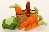 Knitted Vegetables: cabbage and carrots