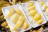 picture of stinky  - Durian shop for sell in the market - JPG
