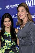 LOS ANGELES - SEP 21:  Ariel Winter, Sharon Lawrence arrives at the Variety and Women in Film Pre-Em