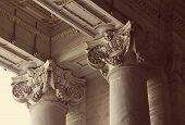 Columnas corintias de la Basílica de San Pedro en el Vaticano