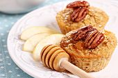 Baked oatmeal with pecans and apples