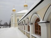 O mosteiro feminino de tikhvin de Novo. Vila Merkushino. Área de Sverdlovsk.
