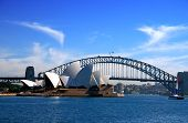 Sydney Opera House und Harbour Bridge...