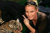 Nicolette Sheridan at 2006 Safari Brunch Fundraiser For The Wildlife Waystation. Playboy Mansion, Los Angeles, CA. 10-14-06