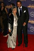 Ruby Dee and Billy Dee Williams at the 2006 TNT Black Movie Awards. Wiltern Theatre, Los Angeles, CA. 10-15-06