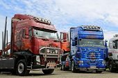 Volvo FH And Scania R620 Show Trucks